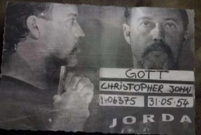 Christopher John Gott foi condenado pela Justiça australiana a seis anos de prisão por dezessete acusações de agressão sexual