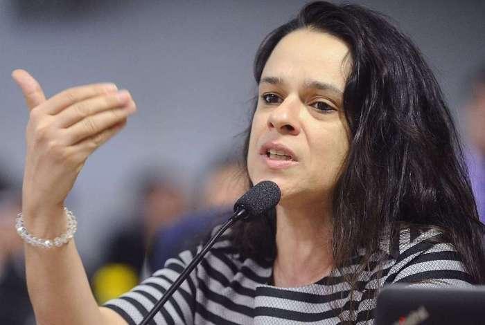 Deputada estadual Janaina Paschoal defende que Ministro do Turismo seja retirado do cargo por conta de suspeita de direcionamento de verba à candidaturas laranjas