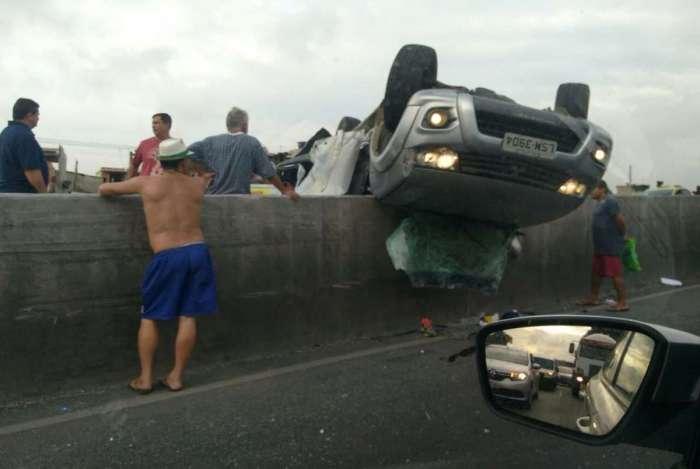 Grave acidente com morte causou bloqueios na Avenida Brasil, na manhã desta terça-feira