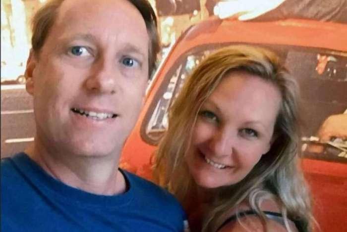 David Clarke matou a facadas a mulher Melaine, que tinha um caso com filha de amiga e dizia que ele tinha pênis pequeno
