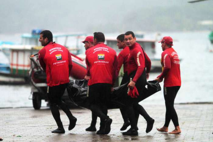 Equipes encontraram oitavo corpo nas proximidades da Restinga da Marambaia