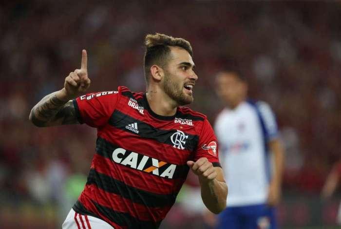 d34bca34df Confira as notas dos jogadores do Flamengo no jogo contra o Paraná O ...
