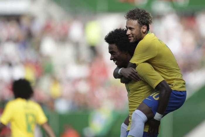 Brasil vence a �ustria por 3 a 0 em �ltimo amistoso antes da Copa, em Viena