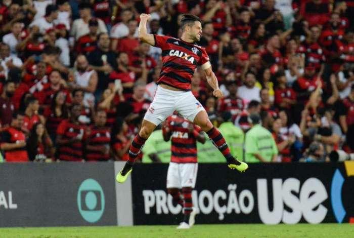 Flamengo venceu o Paraná por 2 a 0