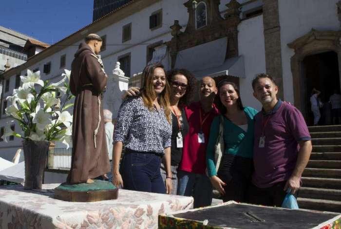 Grupos j� anteciparam a visita ao Mosteiro de Santo Ant�nio ontem. Todas as missas ficaram lotadas