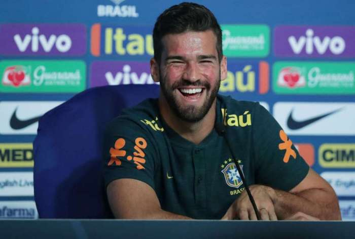 Alisson está na mira do Liverpool