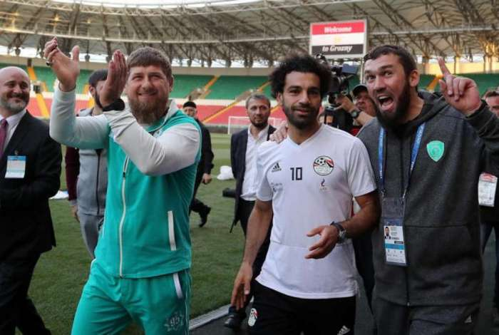 Foto de Salah com Ramzan Kadirov gerou pol�mica