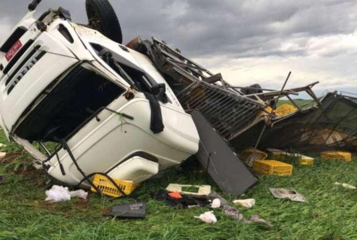 Estrago causado pelo tornado
