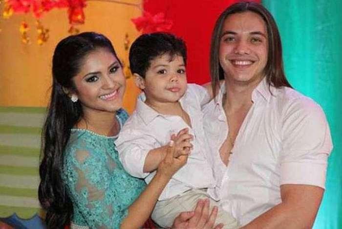 Mileide Mihaile, o filho Yhudy e Wesley Safadão