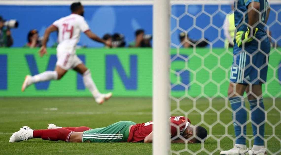 Aziz Bouhaddouz marca contra e d� vit�ria ao Ir�