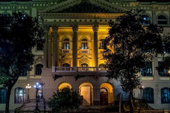 A Biblioteca Nacional (BN), cartão postal do Rio e uma das maiores do mundo, está com todo seu esplendor de volta, após 4 anos de reformas