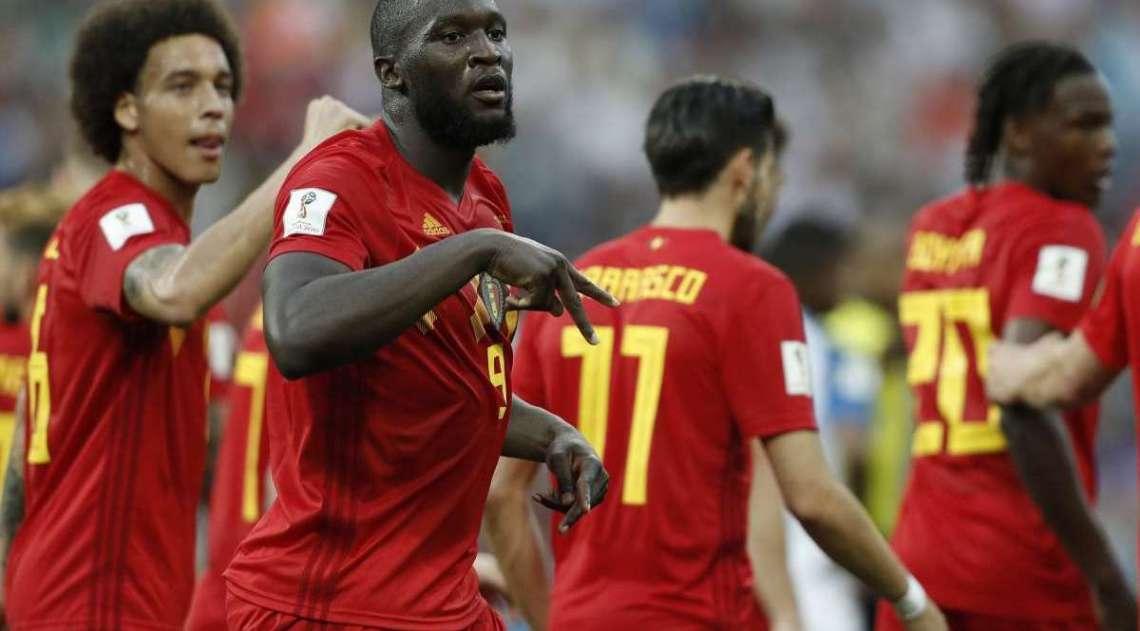 Romelu Lukaku vibra com seu segundo gol