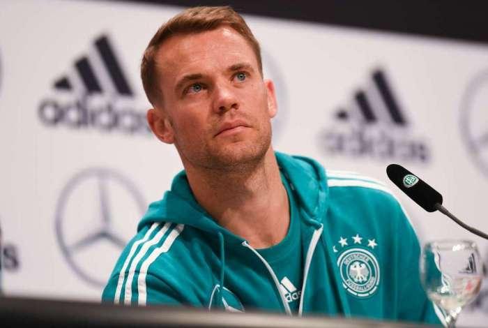 Em entrevista coletiva, Neuer afirma que sele��o alem� precisa deixar derrota 'para tr�s'