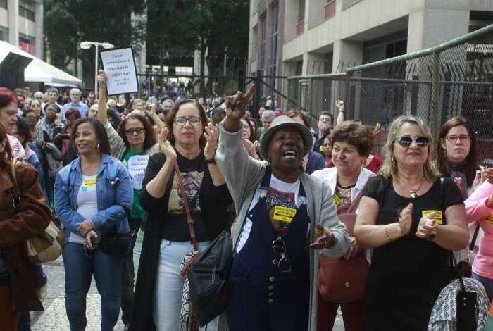 Servidores reivindicam reajuste, décimo terceiro, e já protestaram contra taxação de inativos