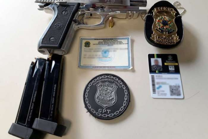 Suspeito apresentou identificação adulterada, além do porte ilegal de arma