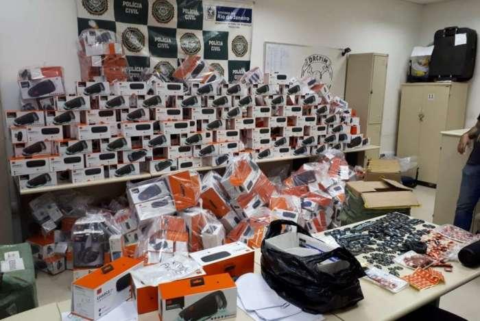 Chinês é preso com eletrônicos falsificados avaliados em R$ 1 milhão