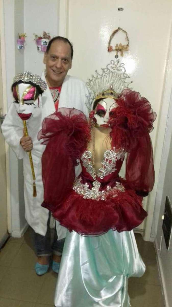 Isabelita dos Patins e o modelito doado por Sabrina Sato