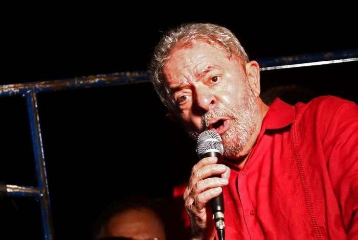 Lula está preso na sede da Polícia Federal em Curitiba (PR)