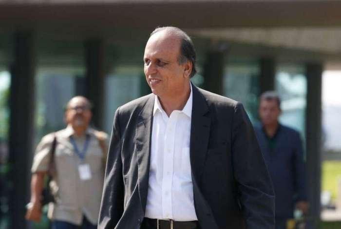 O governado do Rio de Janeiro, Luiz Fernando Pez�o, durante cerim�nia de entrega de 265 novas viaturas para a PM.