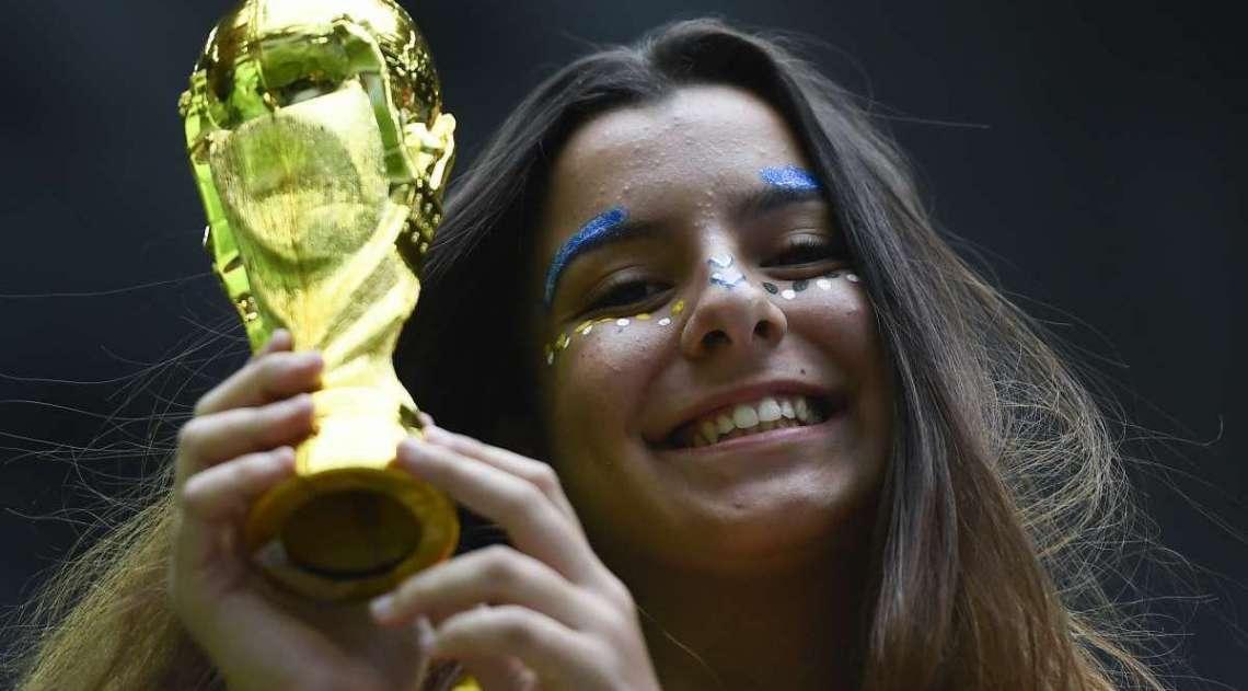 Torcedores no est�dio de S�o Petesburgo para o jogo entre Brasil e Cro�cia