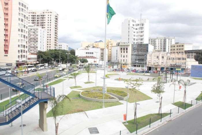 Corpo foi achado na Rua Sotero dos Reis, na Praça da Bandeira