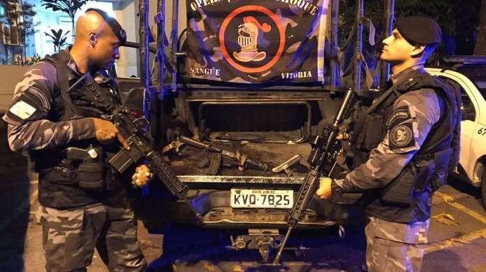 Armas foram apreendidas pelos policiais militares no Morro do Urubu, em Pilares, na Zona Norte do Rio, no s�bado � noite