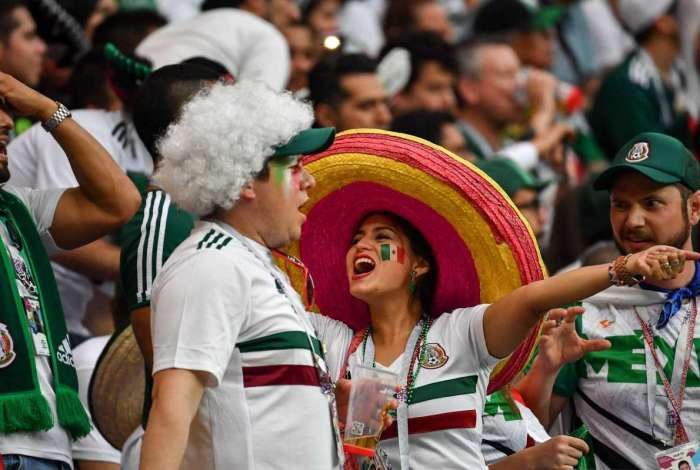 Torcedores mexicanos s�o punidos por grito homof�bico