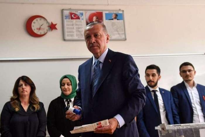 Presidente da Turquia, Erdogan lidera inten��es de voto em elei��o