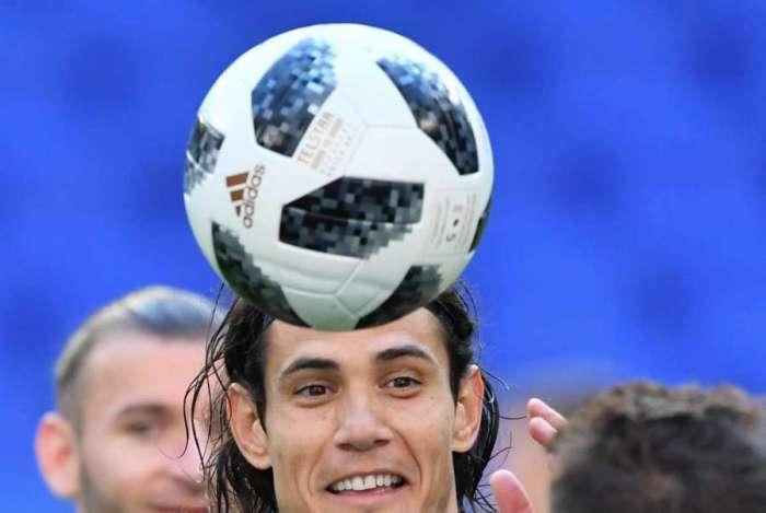 Cavani � a imagem da alegria com a campanha do Uruguai no Mundial
