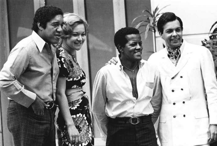 Os cantores Augostinho Santos, Claudia e Erlon Chaves - foto arquivo O Dia feita em, 15/10/70. Foto M. Teixeira       Special