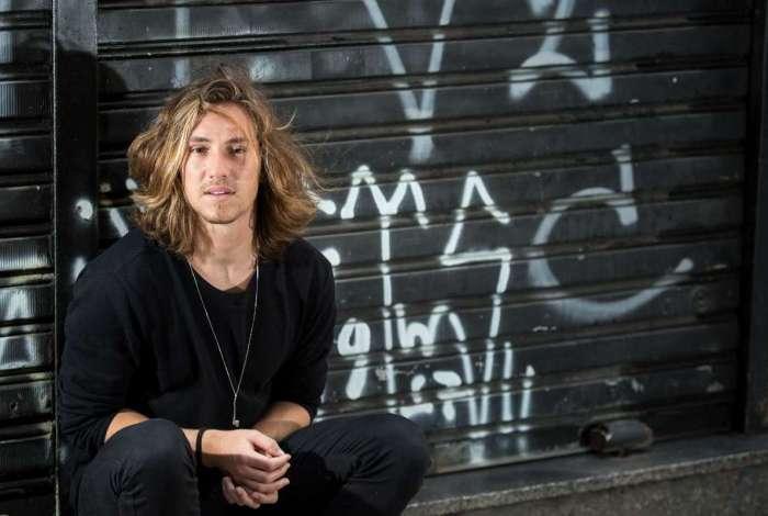 Vitor Kley lança música nova