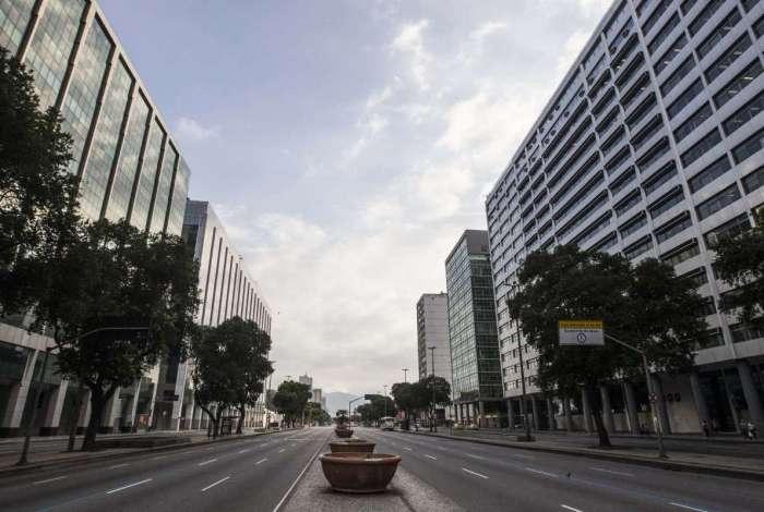 Várias mudanças no trânsito e nas linhas de ônibus serão feitas para o desfile