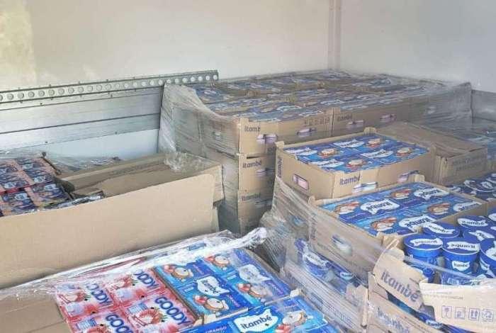 Carga de iogurte recuperada na Favela do Dique