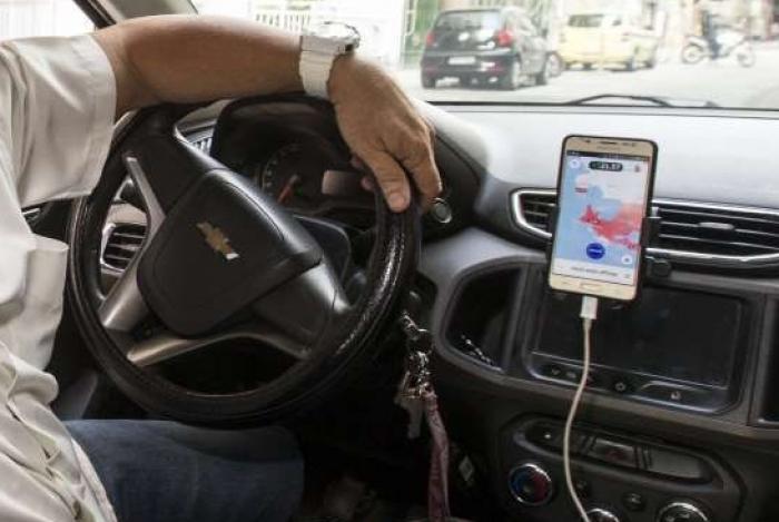 A expansao da Uber nas regioes perifericas das grandes cidades. Rubens Massena, 59 motorista do Uber. Rj, 27 de junho.