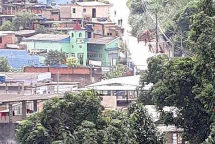Favela Gogó da Ema, em Beford Roxo