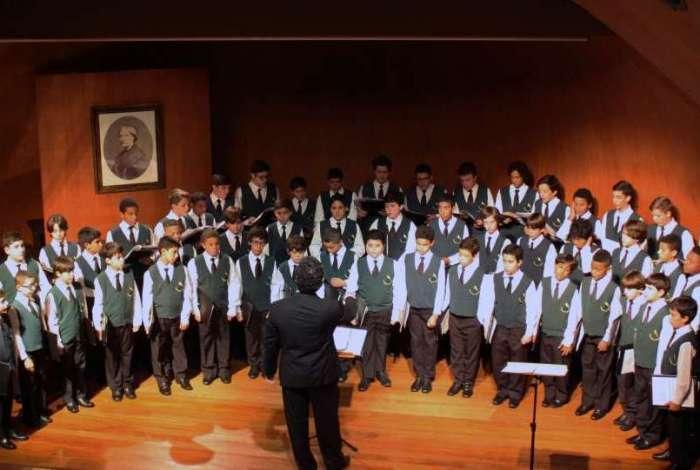 O Coral Canarinhos de Petrópolis vai se apresentar com a Orquestra Sinfônica Cesgranrio na abertura do Festival de Inverno