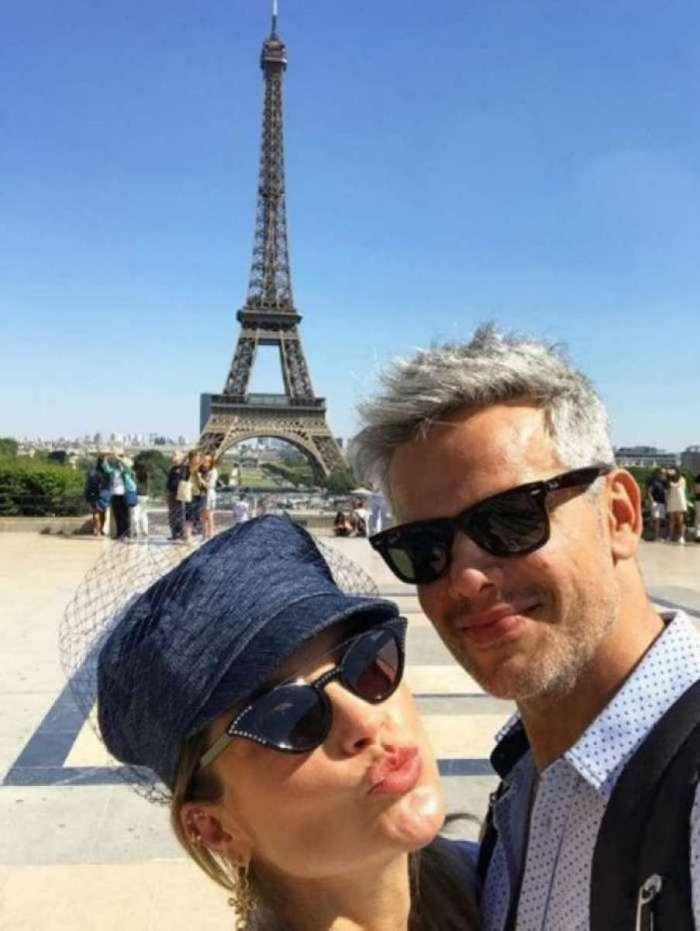 Otaviano Costa e Flávia Alessandra compartilham selfie fofa em Paris