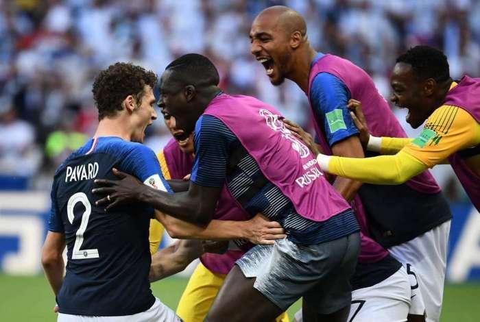 Pavard comemora lindo gol sobre a Argentina