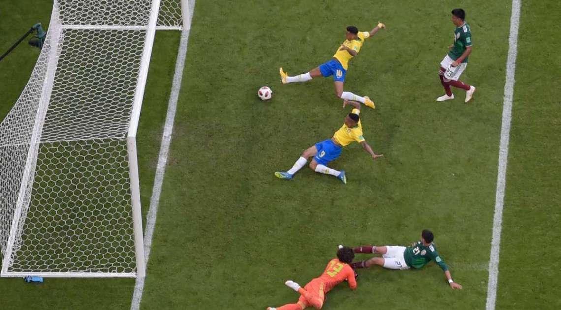 Neymar abre o placar para o Brasil