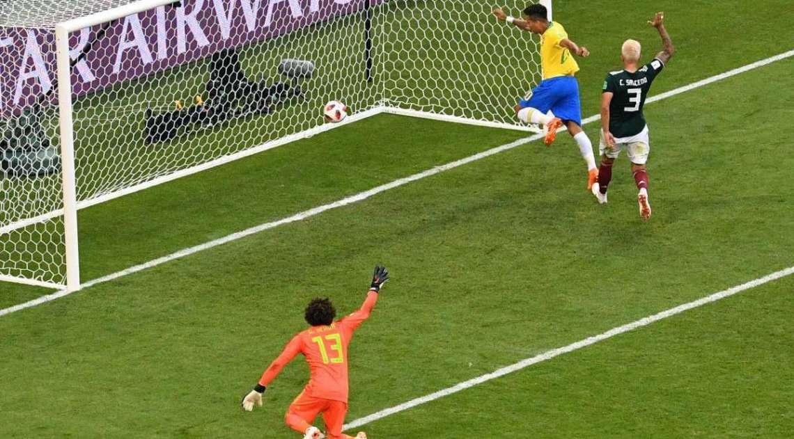Firmino marca o segundo gol do Brasil