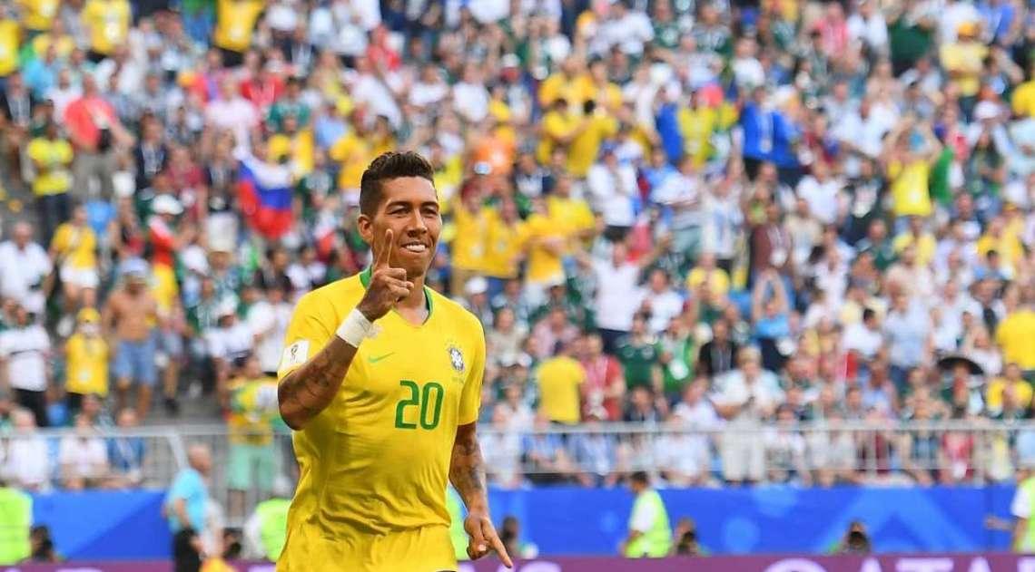Firmino comemora segundo gol da Seleção
