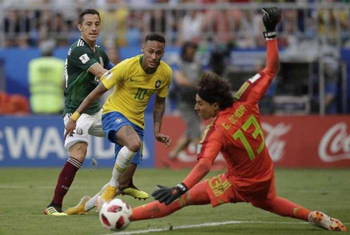 A seleção brasileira conquistou vaga nas quartas de final da Copa do Mundo de 2018 pela sétima vez seguida ao vencer México por 2 a 0, em Samara. Foto  André Mourão / MoWA Press