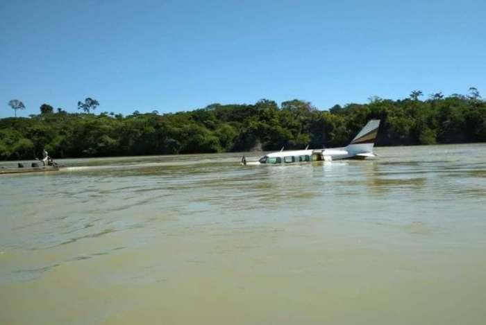 Avião executivo fez pouso forçado em um rio do sudoeste do Pará, em região de garimpos