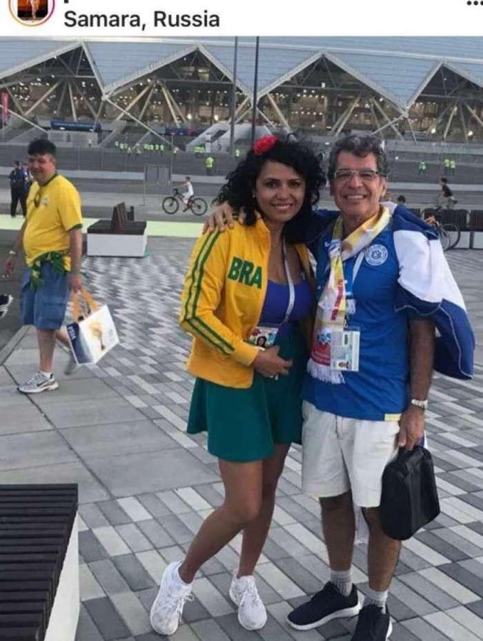 Paulo Betti e a namorada Dadá Coelho