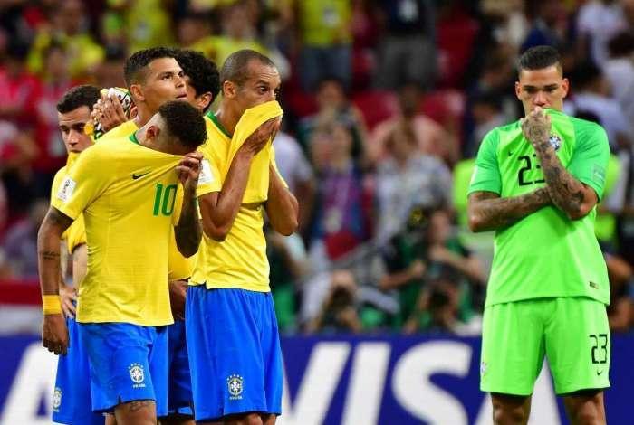 Jogadores do Brasil choram após eliminação