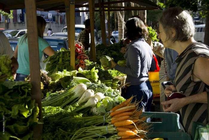 No Circuito Carioca de Feiras Orgânicas, presente em 18 bairros, agricultores vendem direto ao consumidor