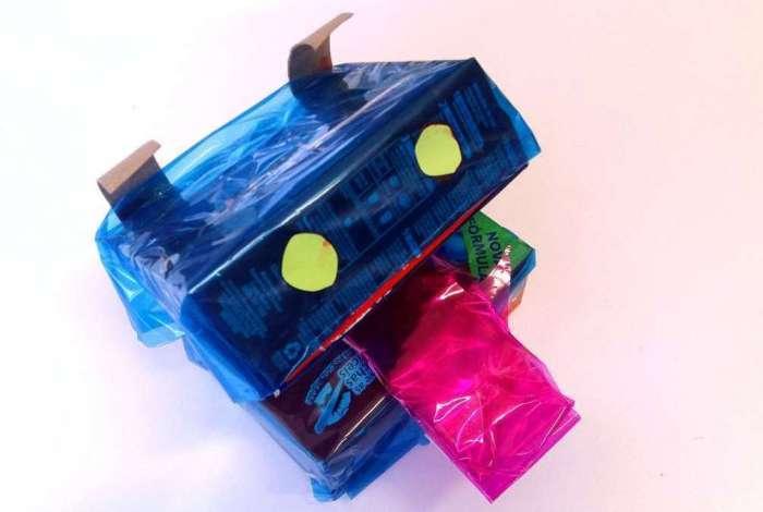 Confira como fazer o cachorrinho de caixa reciclada