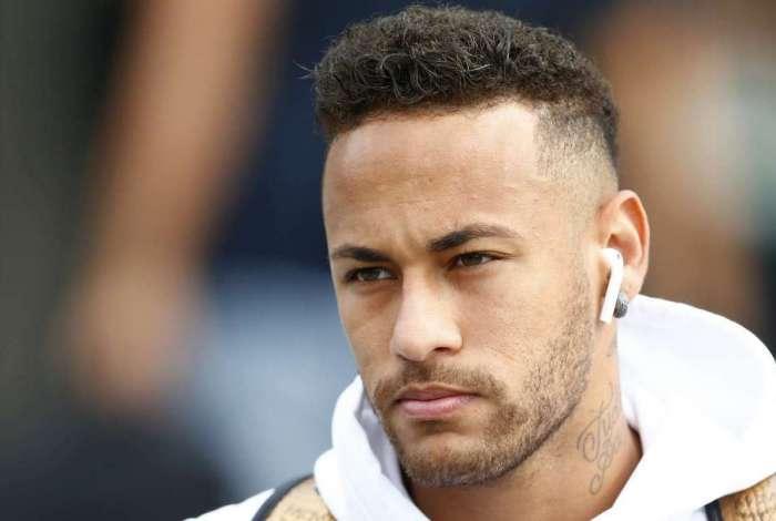 Neymar está sendo investigado pela justiça espanhola