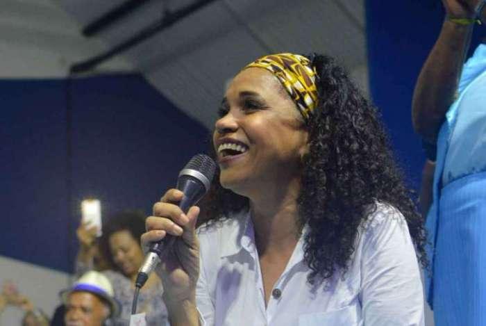 Teresa Cristina, uma das artistas que aderiu ao 'samba-debate'