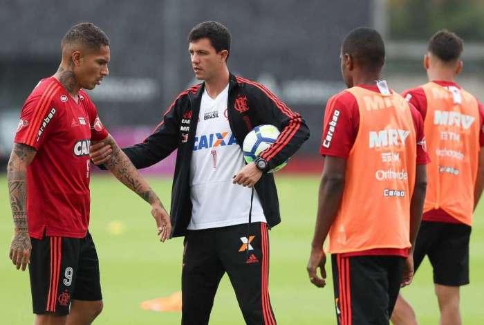 Guerrero e Mauricio Barbieri no treino do Flamengo